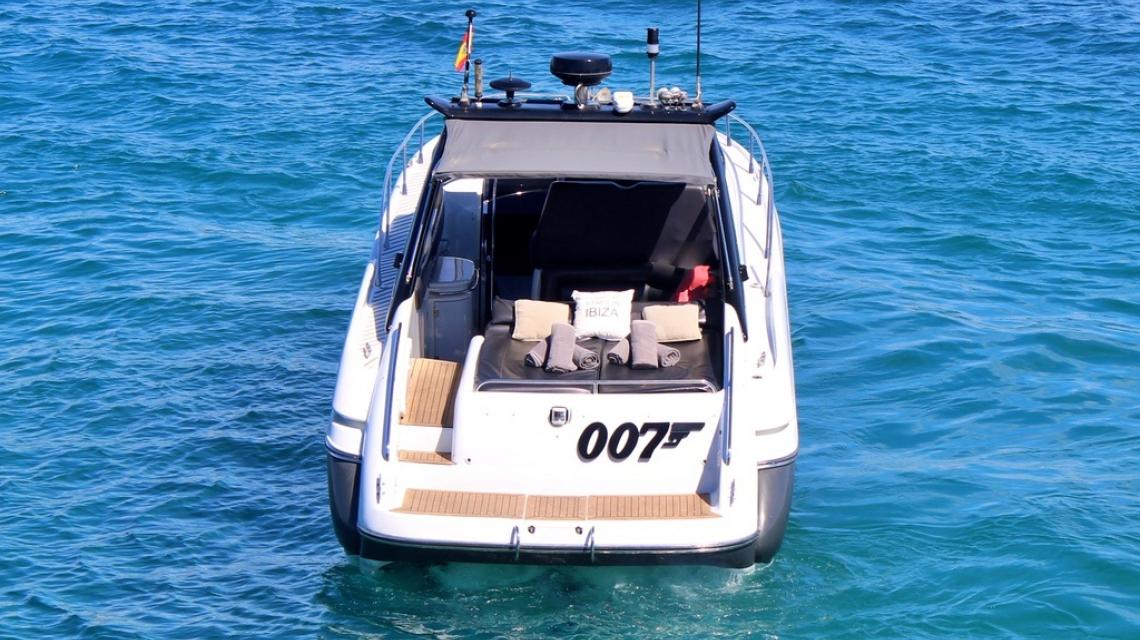 007 - Superhawk 48