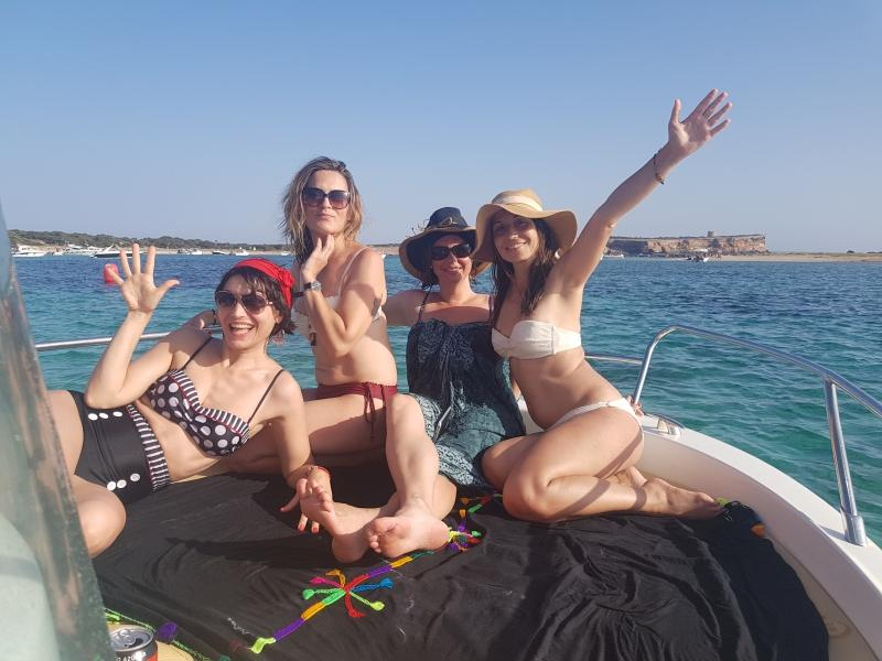 BlueOcean Ibiza - Vanesa and friends